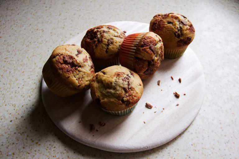 Muffin con pepite di cioccolato al latte